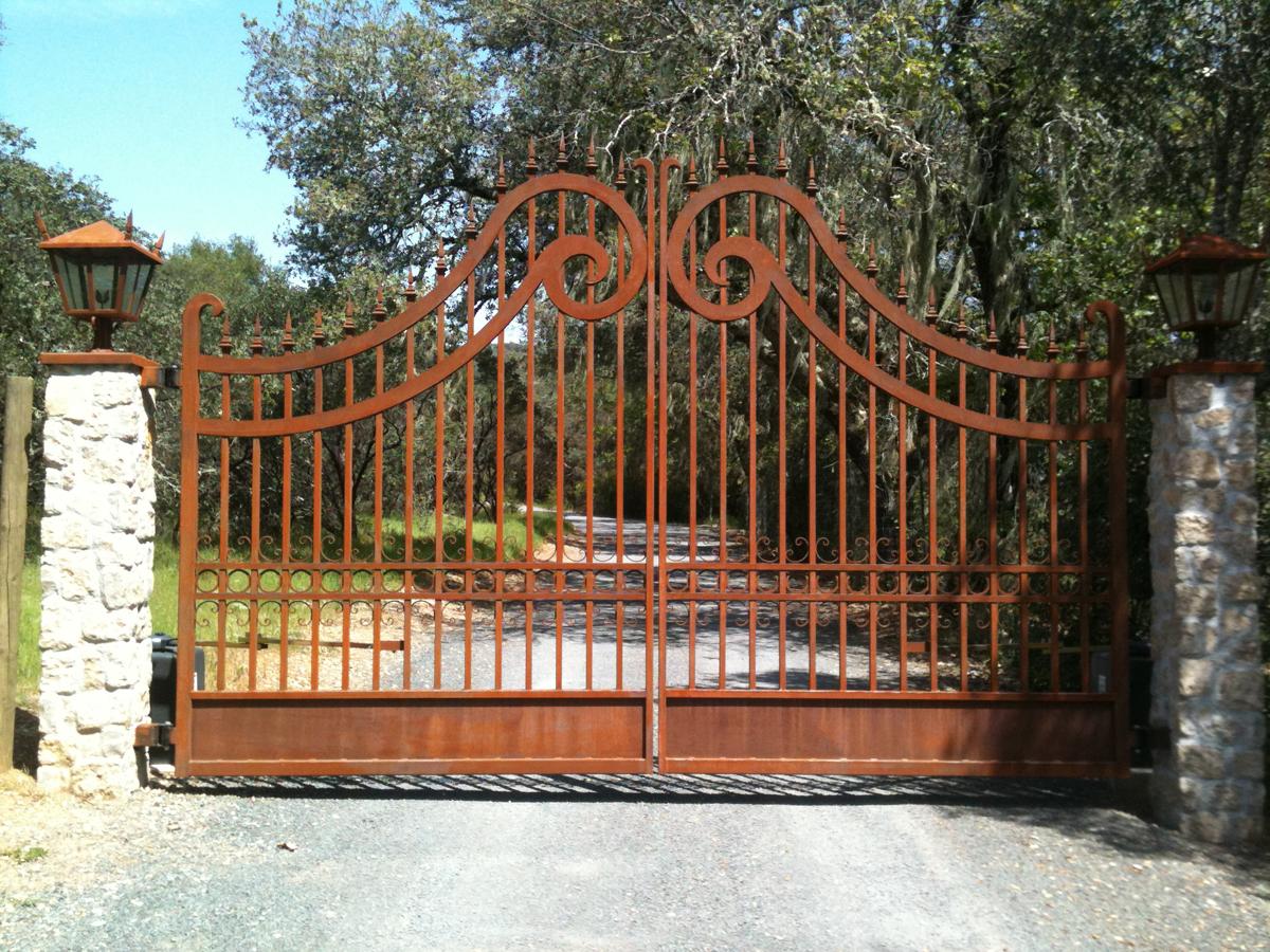 Kachina Vineyards Gate