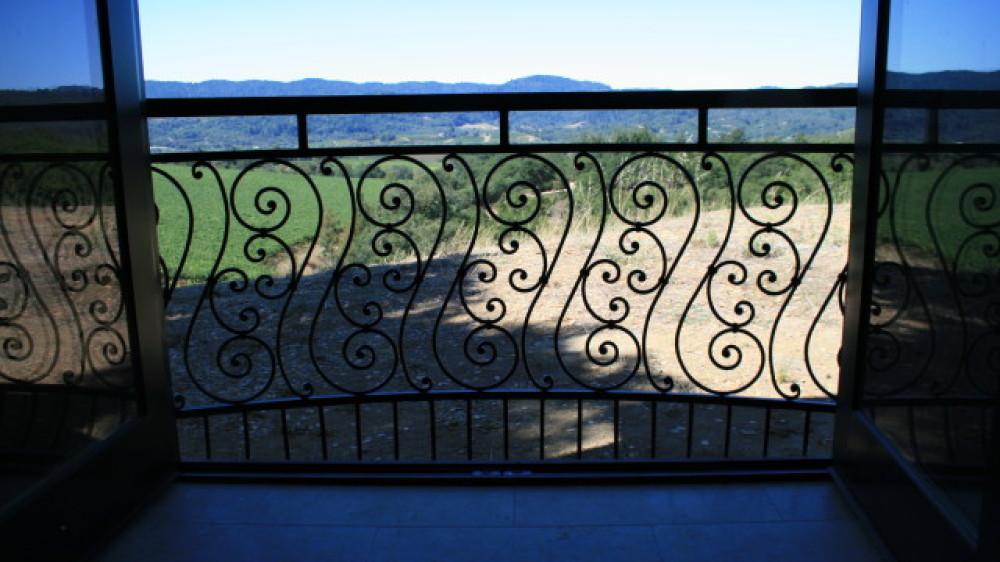 Custom Balcony [011]