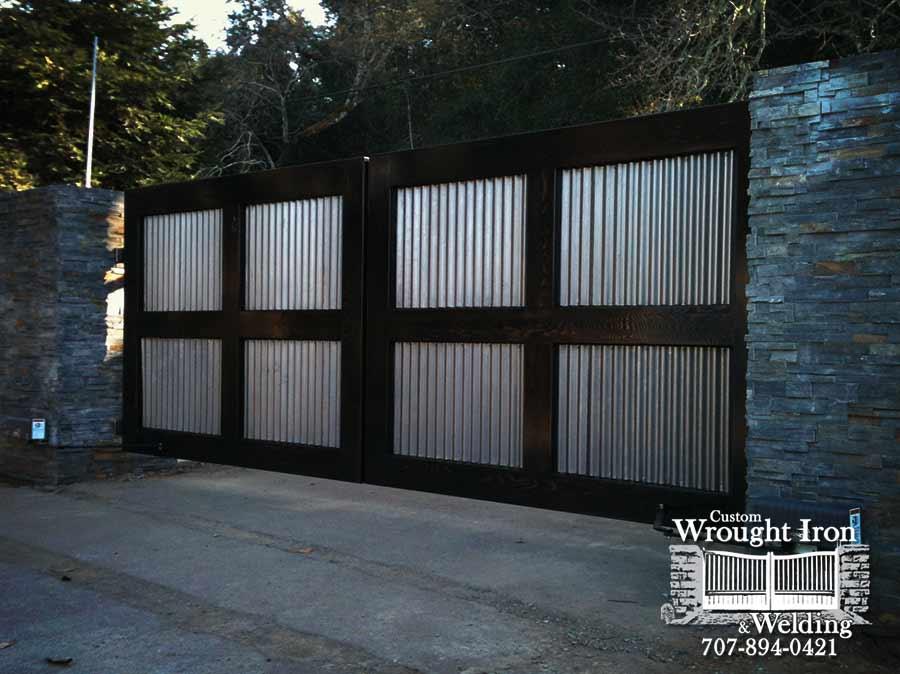 Williamson Winery gate.