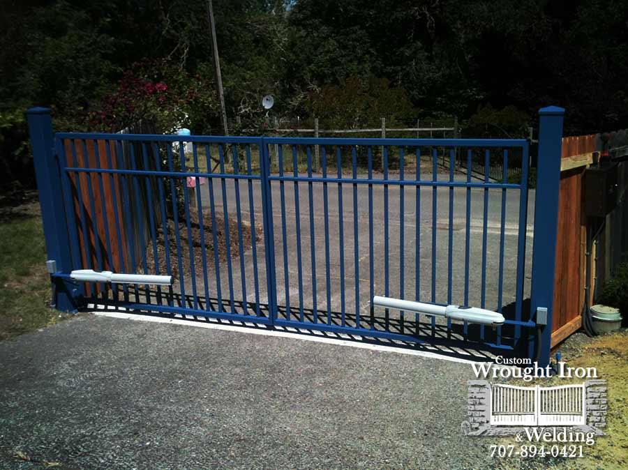 Basic double swing gate